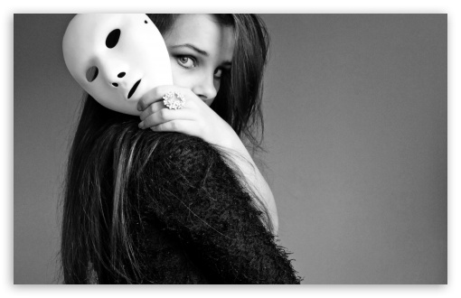 girl_with_mask_2-t2